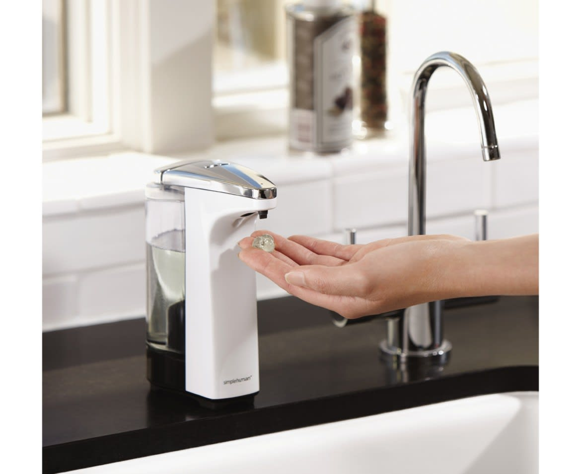 getting soap from simplehuman soap dispenser