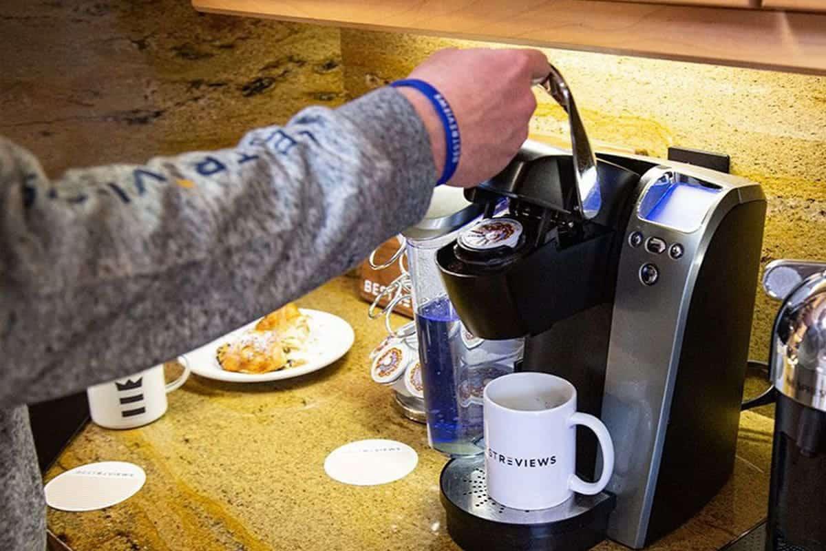 preparing a coffee