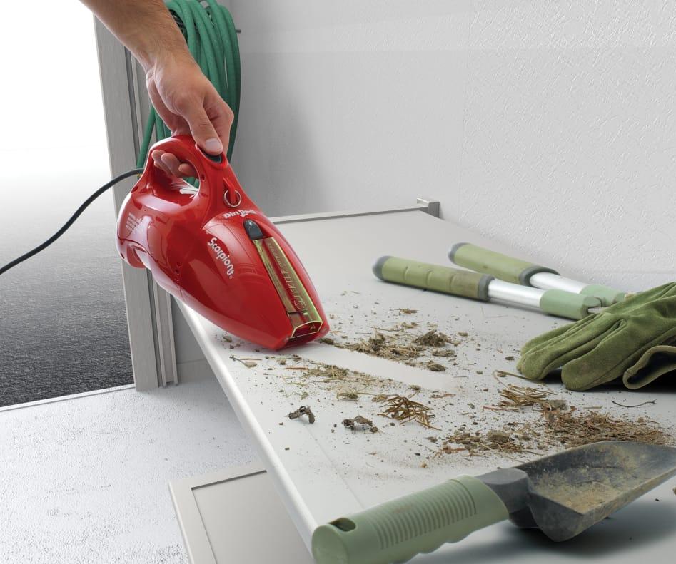 cleaning gardening tools using vacuum