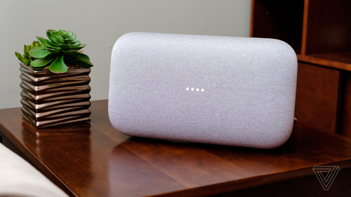 Bluetooth speakers with battery turned on