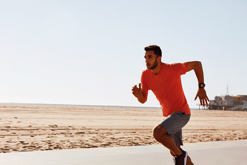 Man wearing a running shorts with pockets