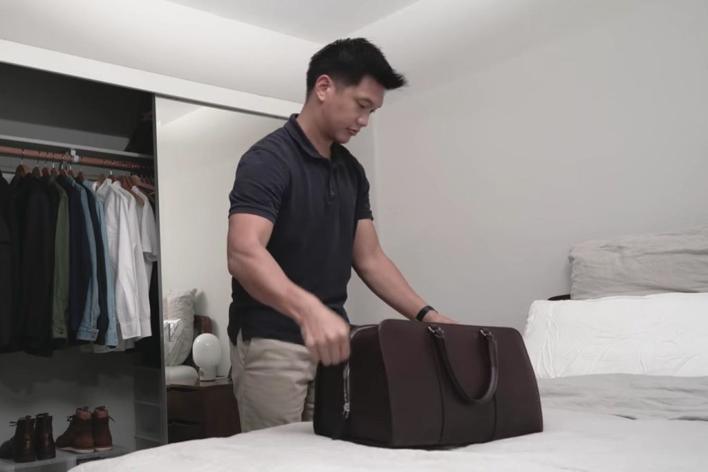 how to pack a weekender bag for men